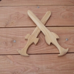 Table ronde épées bois enfants